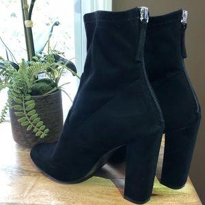 "Black ""Brisk"" Steve Madden boots"